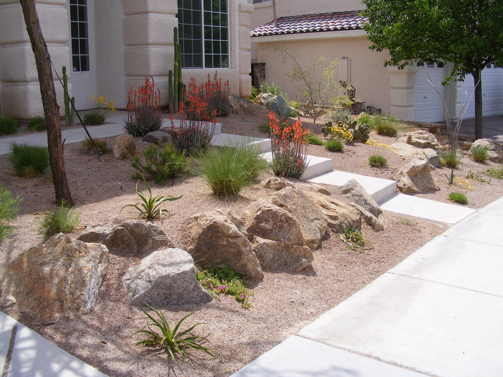 Simple front yard landscaping on a budget for Garden design blogs