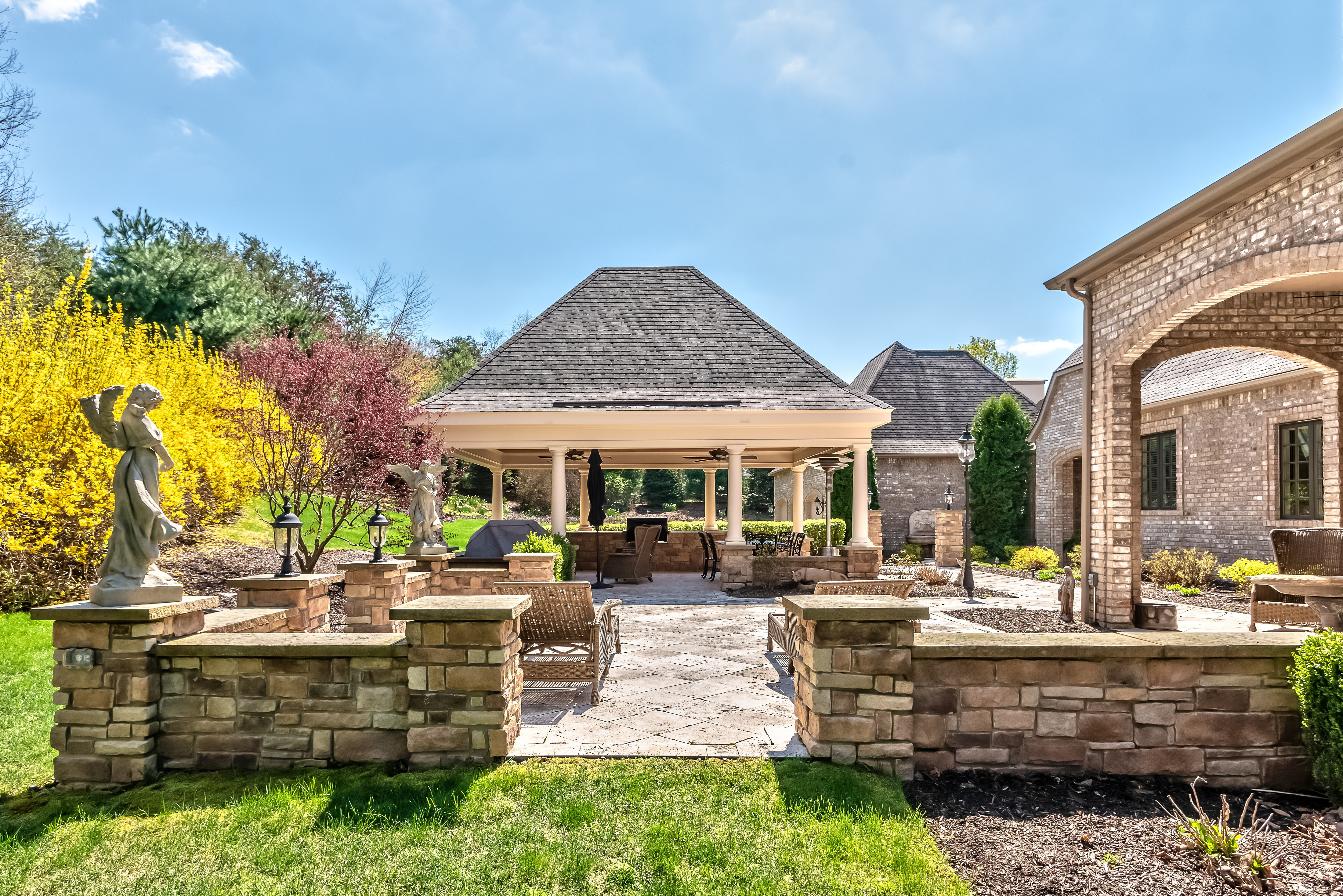 homes of distinction 160_Buckthorn