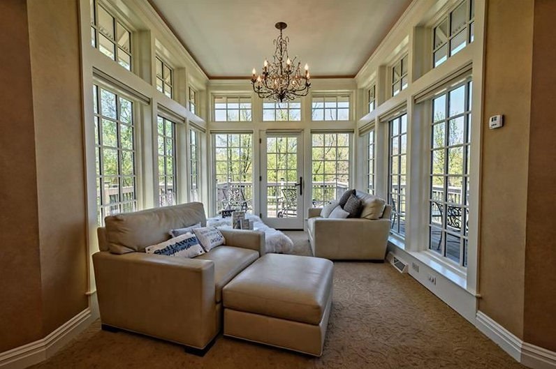 Howard Hanna Homes of Distinction sunroom in Pennsylvania house and owner's suite
